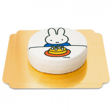 Nijntje op witte taart