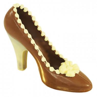 Bruine chocolade schoen met witte details