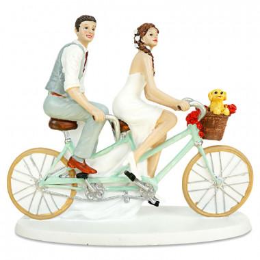 Taartenfiguur - fietsend bruidspaar